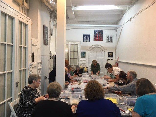 Trencadís / mosaic group activity in Barcelona