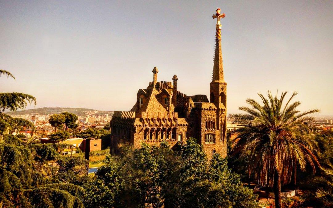 Christmas Trencadís class at Gaudí's masterwork        Torre Bellesguard